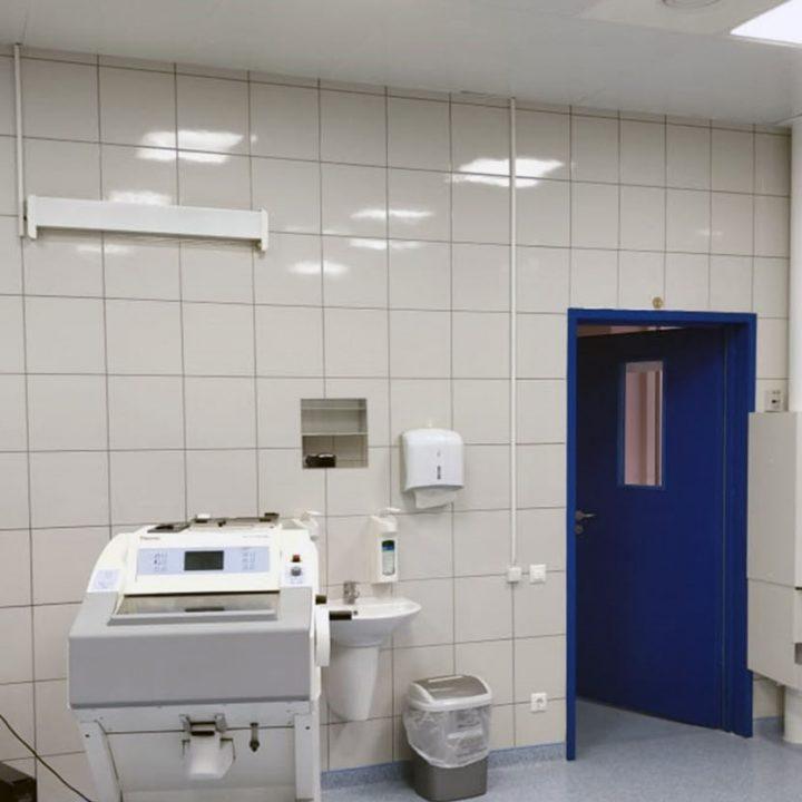 Пневмопочта Swisslog 160 мм в лаборатории больницы ККБ №1