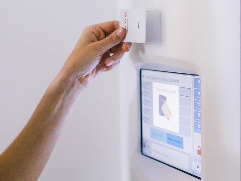 Контроль доступа в системе пневмопочты Swisslog